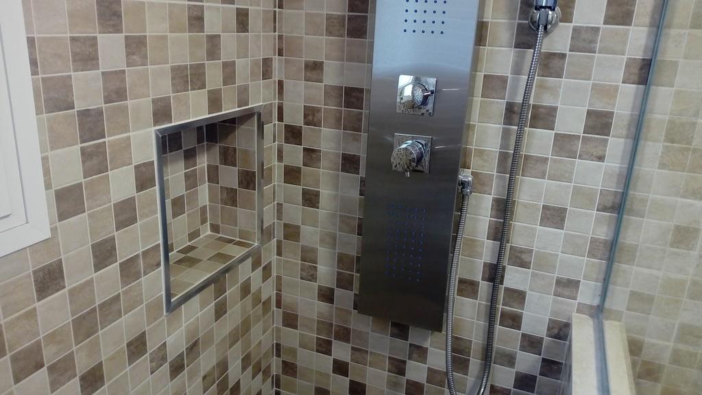 Reforma de baño con ducha de obra en tenerife y hornacina