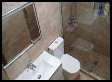 baño pequeño y moderno reformado por Baños Tenerife