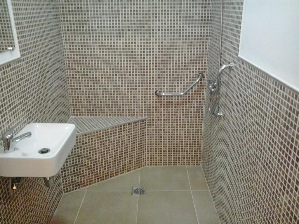 reformas de baños accesibles adaptados para minusvalidos y personas de movilidad reducida en Tenerife