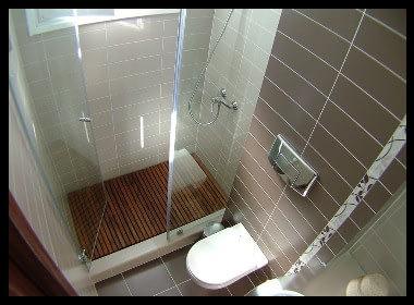 Reforma de baño moderno en Tenerife